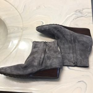 Cole Haan Shoes - Cole Haan size 6 grey point toe booties
